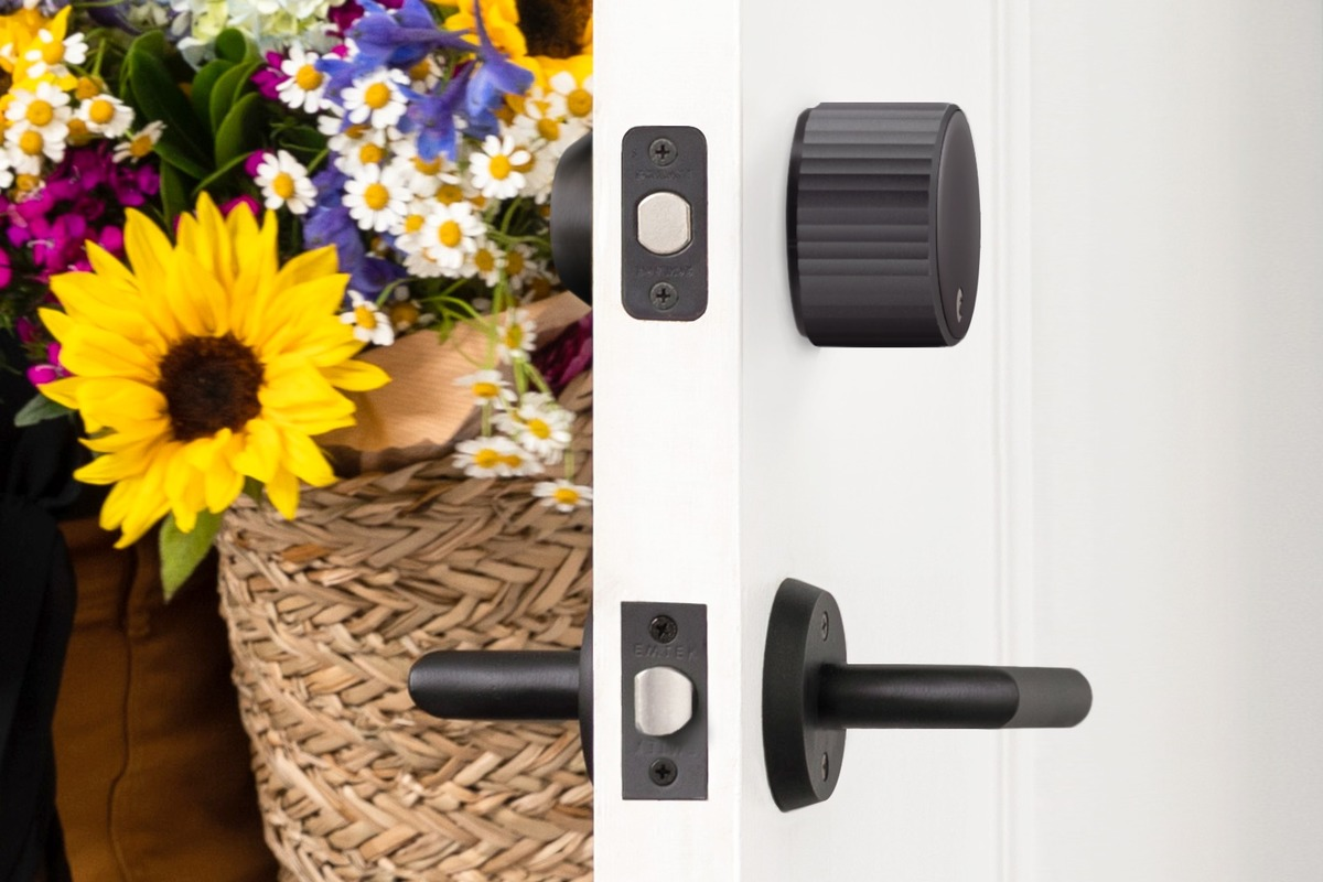August Wi-Fi Smart Lock review: The best-known retrofit smart lock gets Wi-Fi—and shrinks its footprint